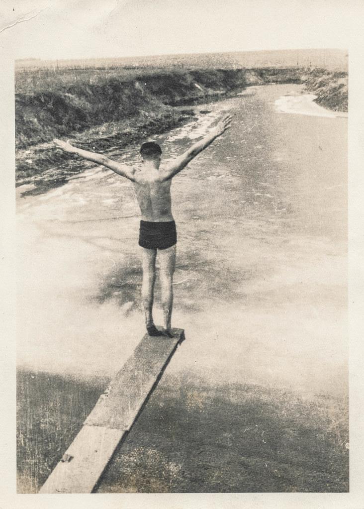 Diving Man