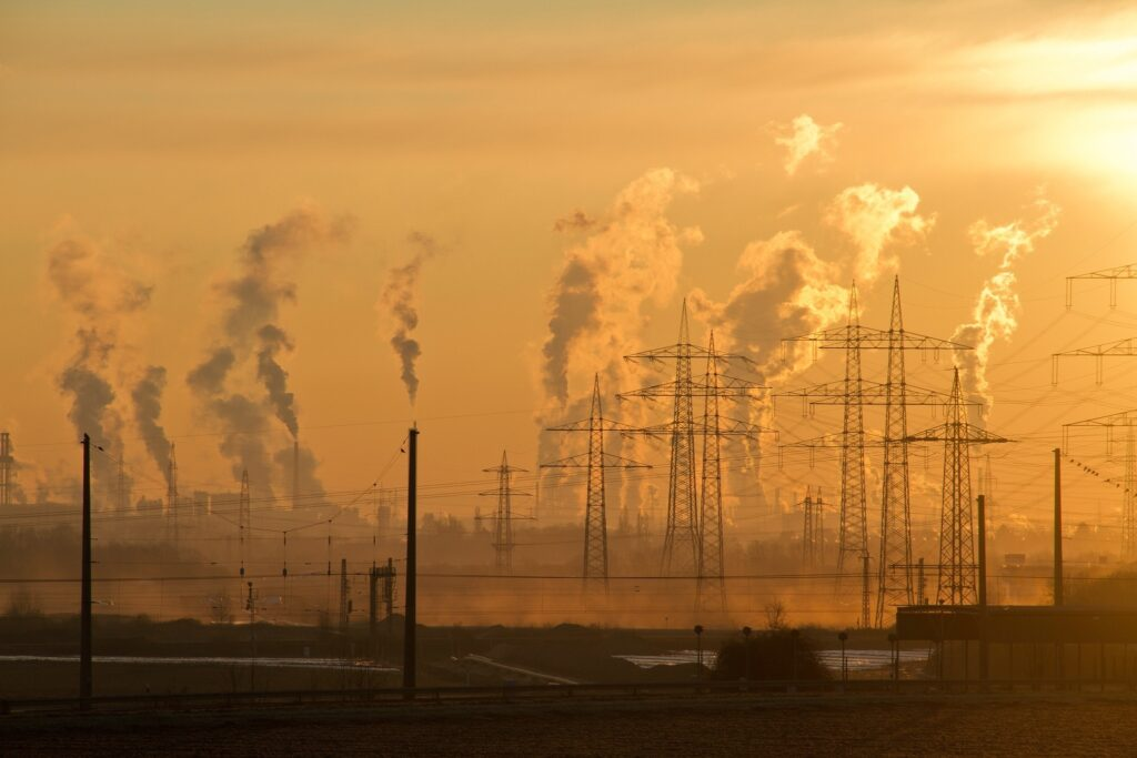 Oil refineries contribute to climate change