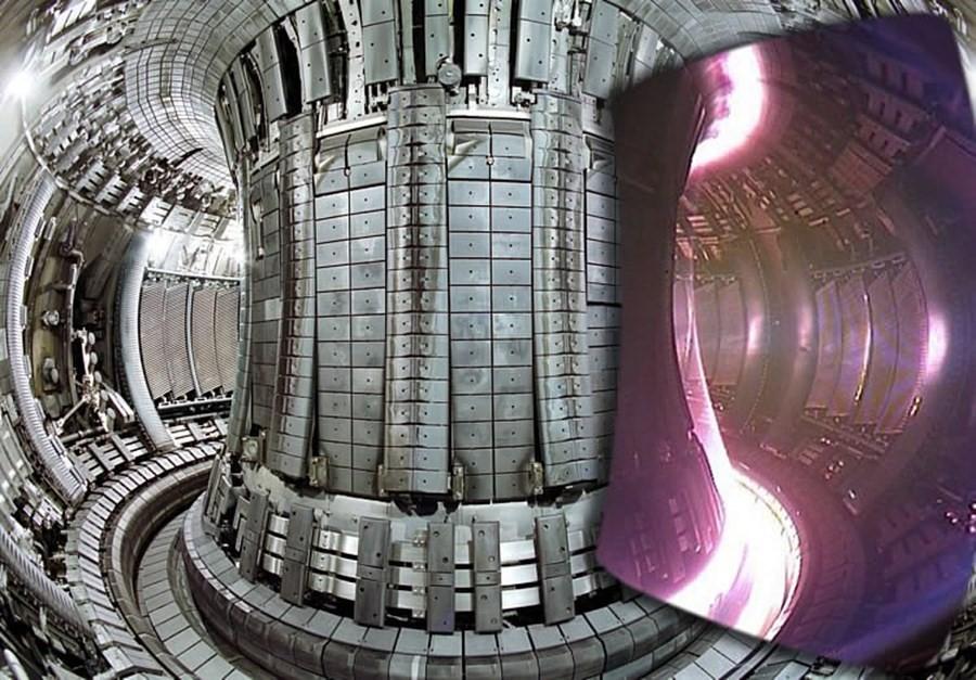 Super-heated plasma in the European JET Tokamak reactor