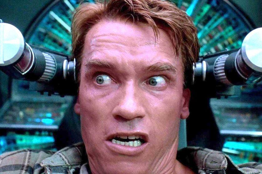 Arnie gets brainwashed in Total Recall (1990)